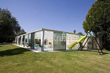 Casa do caseiro cerca santiago de compostela beca for Piscina brion