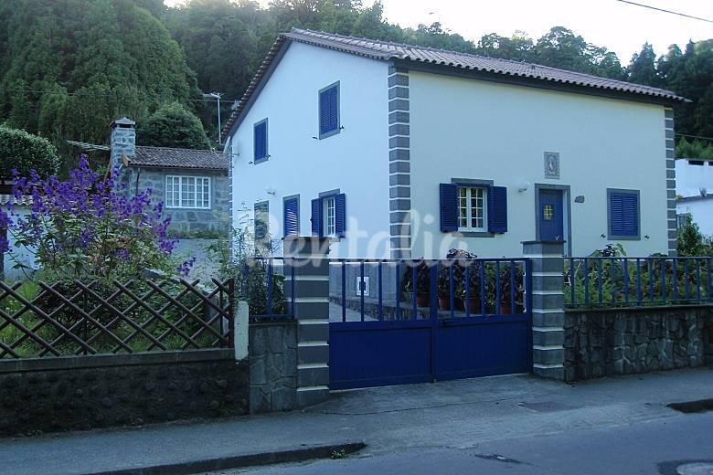Villa 4 km from the beach São Miguel Island