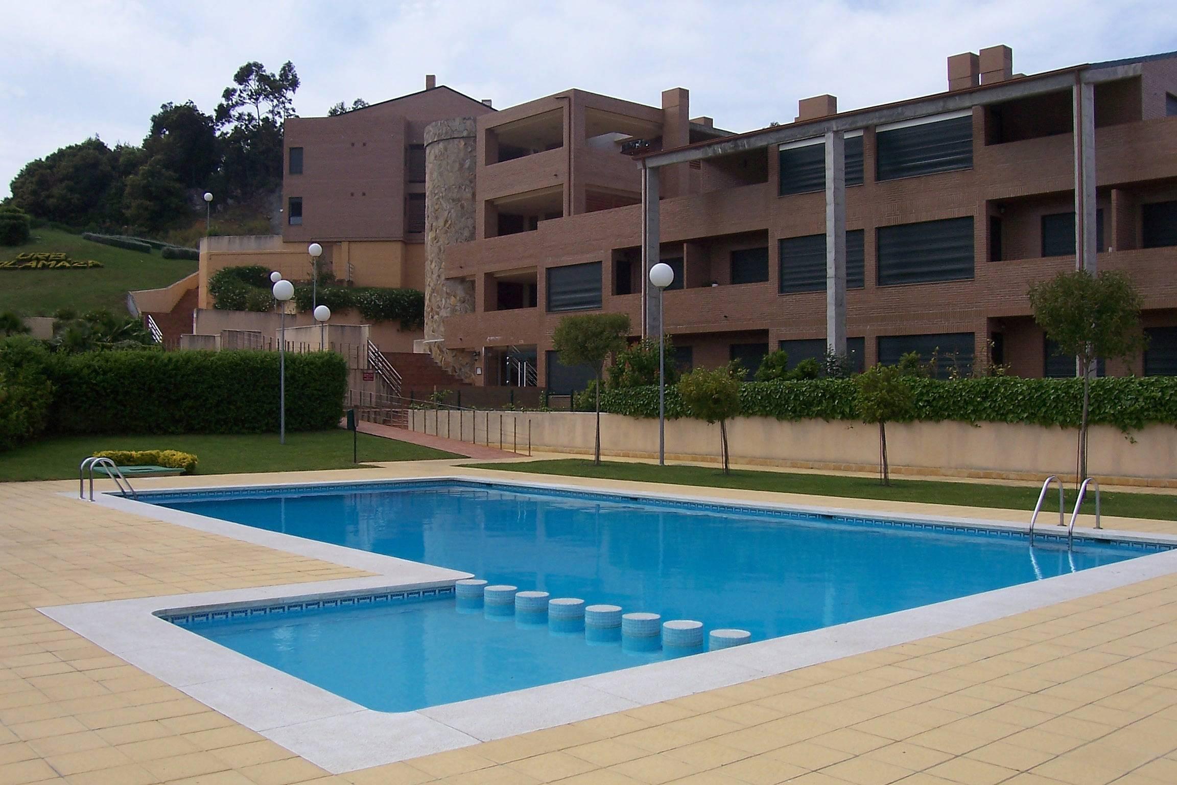 Apartamento en alquiler a 400 m de la playa isla playa arnuero cantabria costa de cantabria - Apartamentos en cantabria playa ...