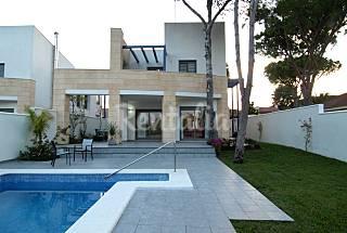 Villa de 5 habitaciones c/u a 800 mts de Playa Cádiz