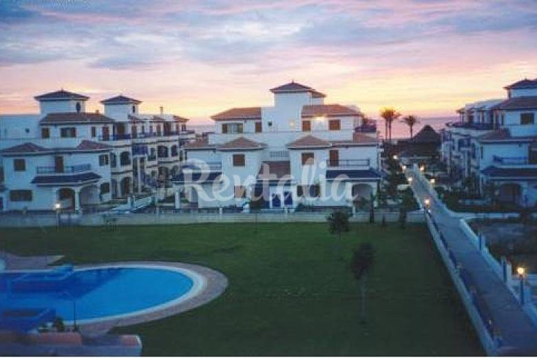 On the beach front line, terrace & solarium 26 m Almería