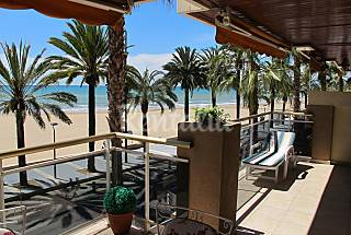 Apartamento para 4-6 pessoas em frente à praia Tarragona
