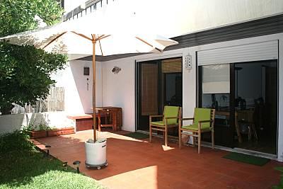 Apartamento a 200 m da praia com jardim privado! Lisboa