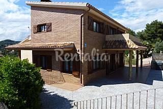 Gran villa 15-18 personas a 2,8 km de la playa Barcelona