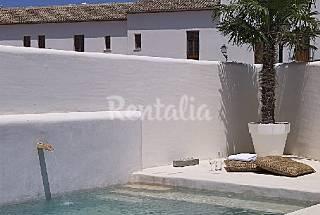 Casa tipo ibicenca con piscina cerca de la playa Alicante