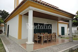 Villa for 5-7 people only 1500 meters from the beach Setúbal