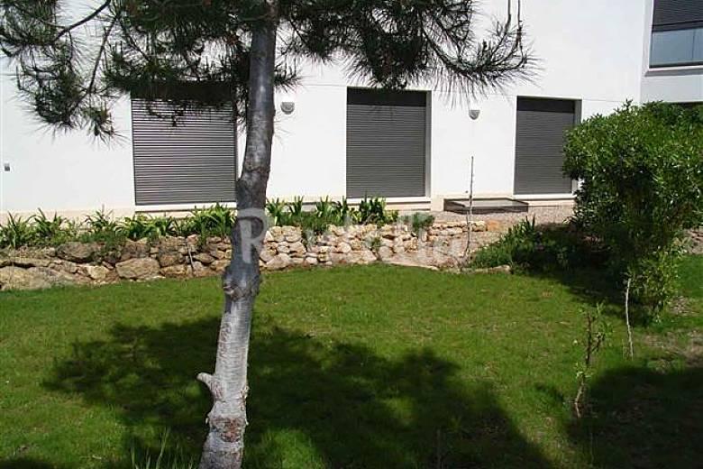 Apartamento de 2 habitaciones a 150 m de la playa la for Apartamentos jardin playa larga tarragona