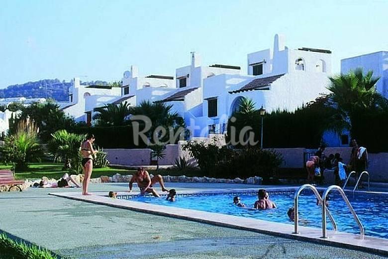Alquiler de chalets playa levante piscina calpe calpe for Piscinas calpe