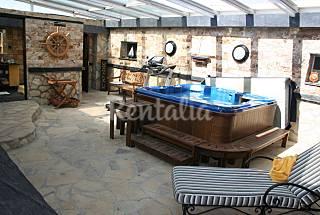 Villa para 10-14 pers. con piscina y gran jacuzzi Guadalajara