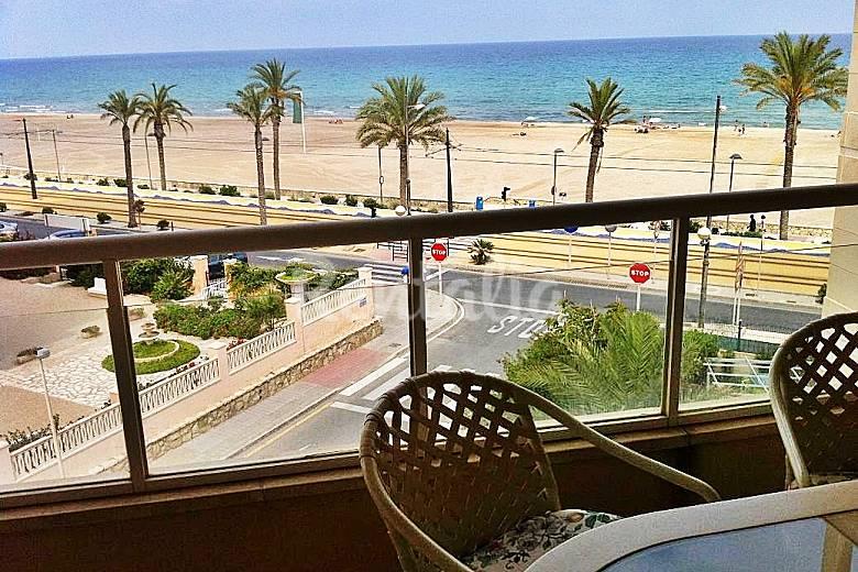 Primera linea y con vistas al mar piscina y padel playa for Piscinas picornell padel