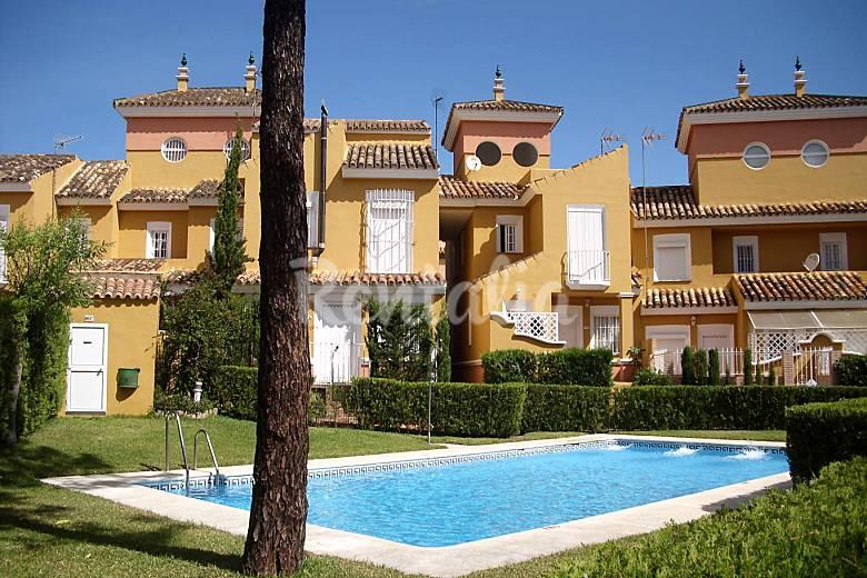 Maison mitoyenne en r sidence avec piscine pr s de la - Rentalia islantilla ...