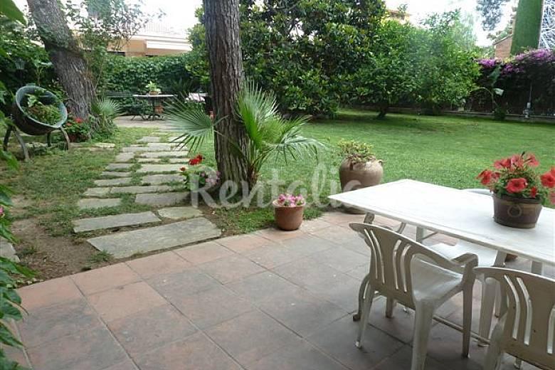 Casa con jard n a 20 km de barcelona premi de mar - Casa con jardin barcelona ...
