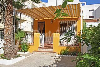 Casa en la playa con jardin (Casa Galisa) Alicante