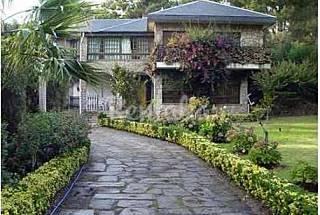 Gran Casa entre Pinos, Laureles, Eucaliptos y Mar Pontevedra
