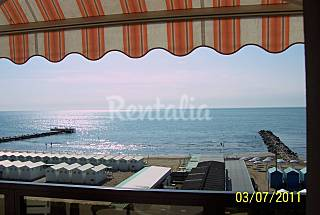 Apartment with 3 bedrooms only 30 meters from the beach Venice
