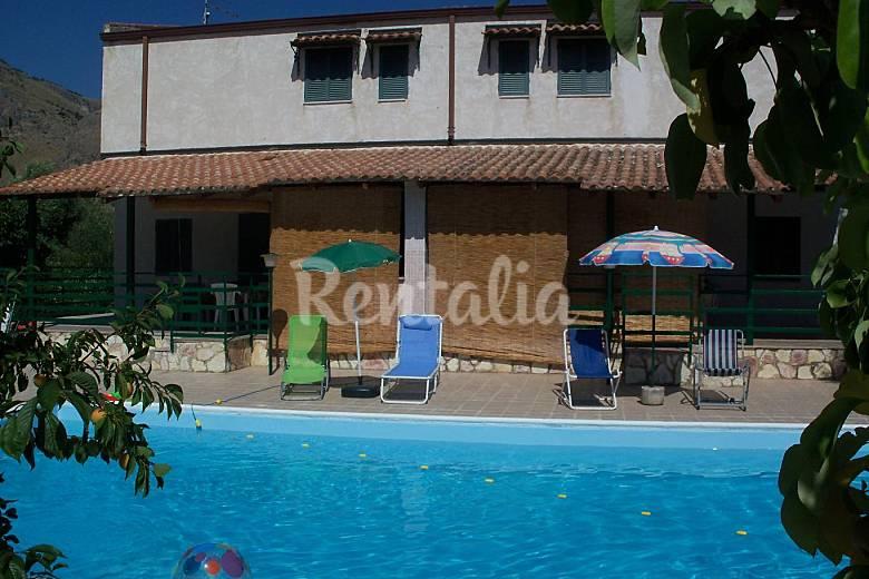 2 Exterior del aloj. Palermo Altavilla Milicia Villas