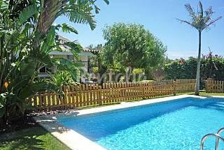Villa con piscina privada cerca de la playa. Wifi Cádiz