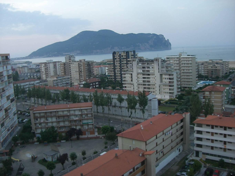 Apartamentos en alquiler a 200 m de la playa laredo cantabria camino de santiago del norte - Apartamentos en cantabria playa ...