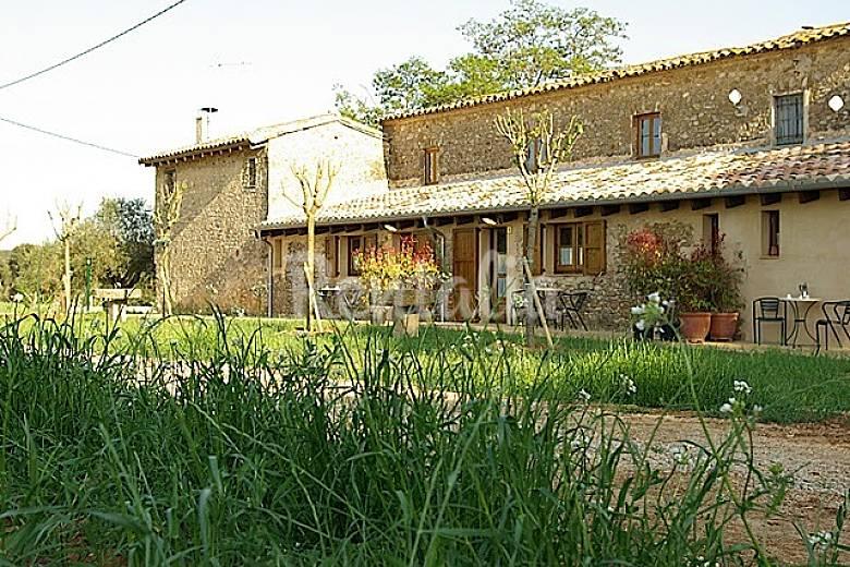 3 apartamentos rurales ideados para parejas cabanelles - Apartamentos para parejas ...