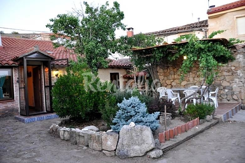 Casa en alquiler con jard n privado almenara de tormes Alquiler casa salamanca
