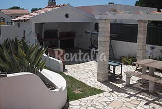 Villa with 3 bedrooms only 2000m from the beach Setúbal