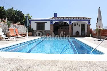 Villa de 3 habitaciones a 6 km de la playa salobre a for Piscina publica alhendin granada