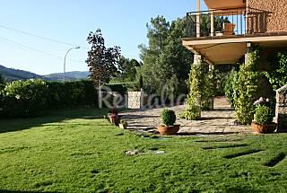 Villa de 4 habitaciones con jardín privado Madrid