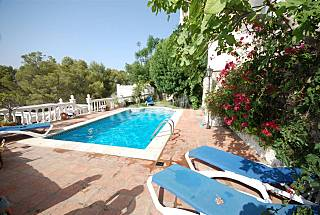 Villa for 15 people 2.5 km from the beach Granada