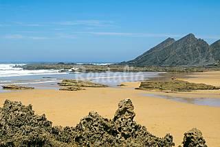Playa y surf a 10min.- Casa en Aljezur Algarve-Faro