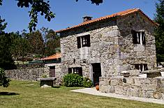 Rustic House in a superb location (2 - 4 persons) Viana do Castelo
