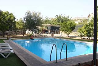 Villa con piscina en centro p.Alcudia.Wifi Mallorca