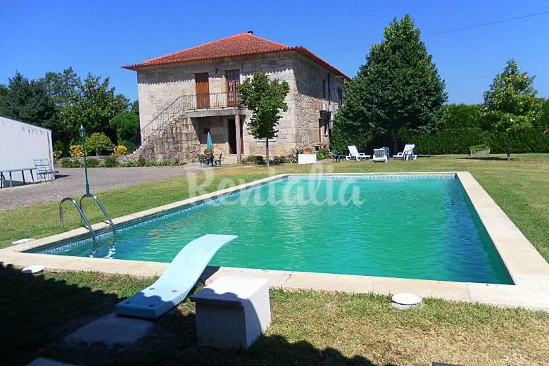 Huis te huur met zwembad bico amares braga vinho verde wijnroute - Huis design met zwembad ...