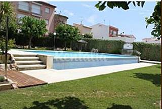House for 6-10 people only 600 meters from the beach Girona