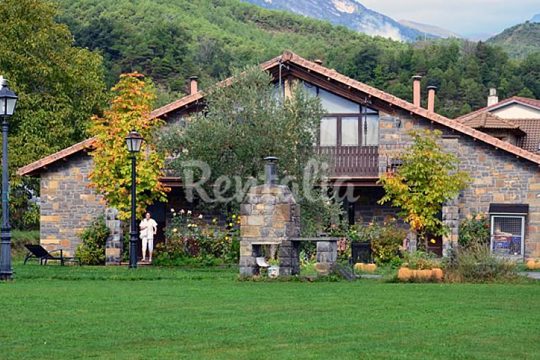 Casas La Ribera - House for rent in Huesca Huesca