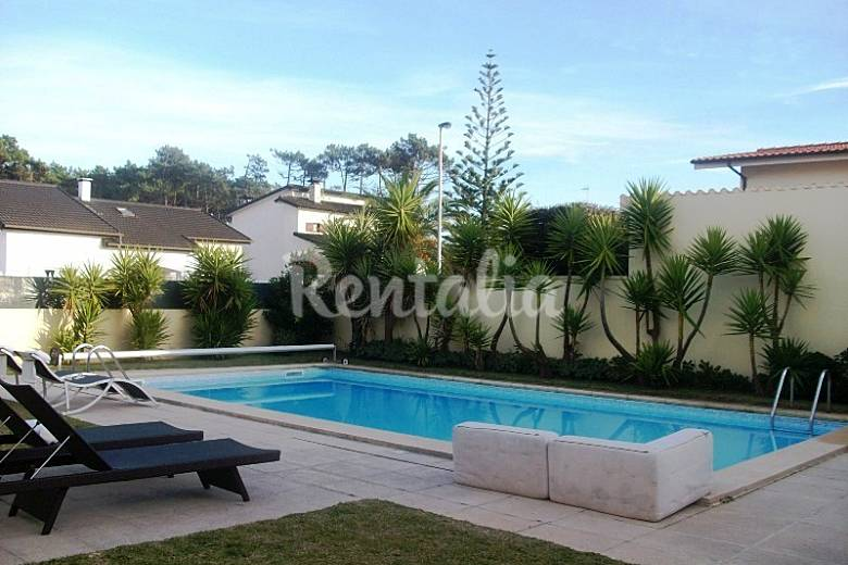 Villa con piscina playa norte de portugal esposende for Piscina jardin norte