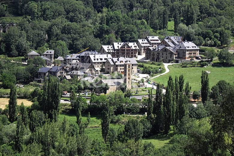Apartamento con encanto en boi taull ta ll la vall de bo lleida l rida pirineos espa oles - Apartamentos boi taull resort ...