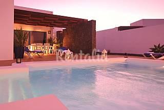 Anika Villa with heated pool, wifi Lanzarote