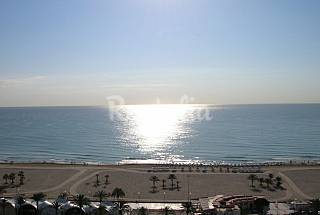 Incredible view front of the beach-3 bedrooms flat Alicante