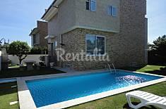Vivenda soalheira,com piscina, a 100m. da praia Braga