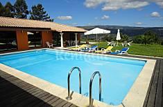 Luxurius villa: pool and views over the river Viana do Castelo