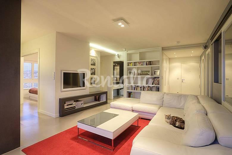 Appartement design san sebastian centre donostia san for Photo salon dappartement