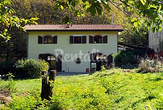 Villa for 4-8 people with private garden Massa and Carrara