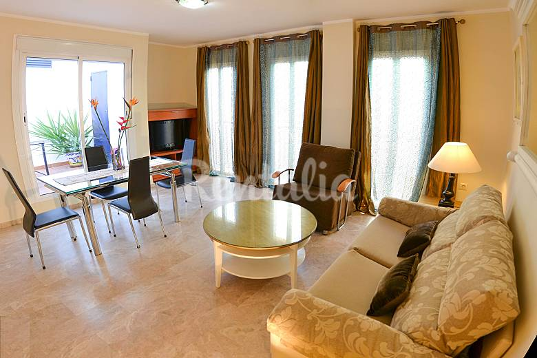 1 and 2 bedrooms apartments (15) in the city centre Seville