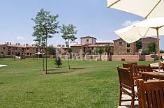 Apartment for 4-6 people with swimming pool Teruel