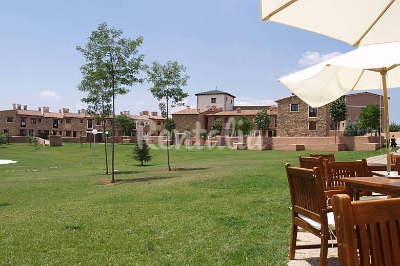 Apartamento para 4 6 personas con piscina los pastores for Piscina teruel