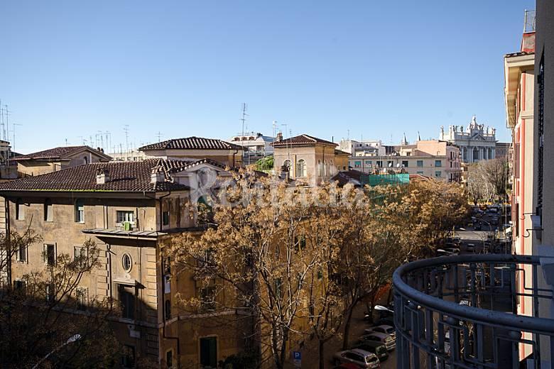 Apartamento de 2 habitaciones en el centro de roma roma for Compro casa roma centro