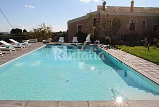 Luxury villa,pool,park,orchard,parking Enna