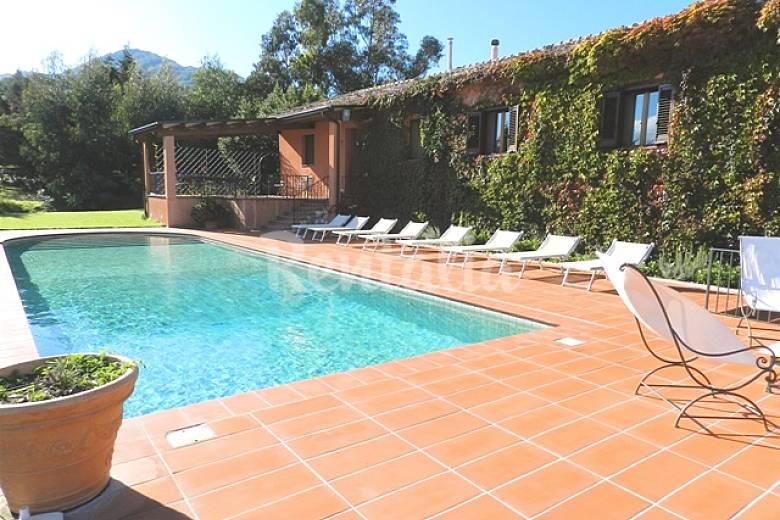 Lussuosa villa piscina gigantesco parco tennis gym contessa entellina palermo sud italia - Villa italia piscina ...