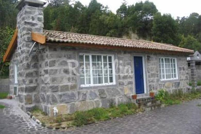 House with 2 bedrooms 4 km from the beach São Miguel Island