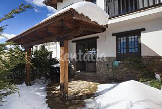 Apartment for 4-6 people with swimming pool Huesca